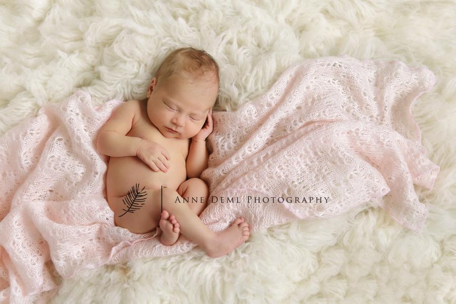 niedliche_babyfotos_muenchen_hebamme_geburt_fotostudio_babyfotograf_ingolstadt_freising_anne_deml_fotografie_marlene6