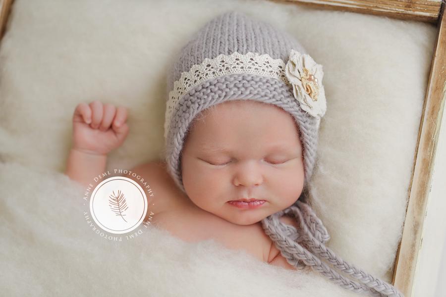 liebevolle_einzigartige_neugeborenenfotos_babyfotografin_anne_deml_fotostudio_muenchen_freising_geburt_babybilder_charlotte_06