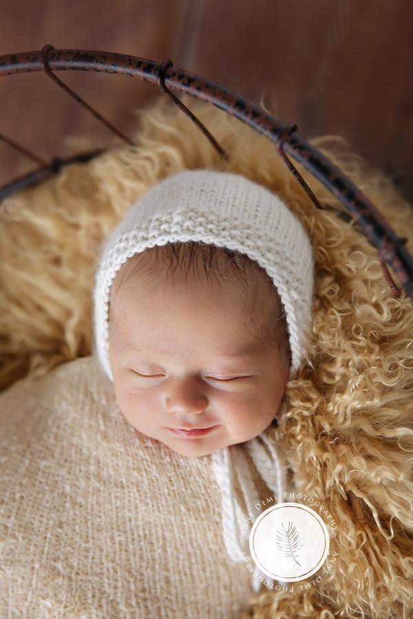niedliche_neugeborenenfotos_muenchen_anne_deml_babyfotograf_sara