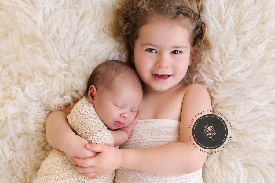 geschwisterbilder_baby_neugeborene_babyshooting_familienbilder_muenchen_freising_anne_deml_clara_9