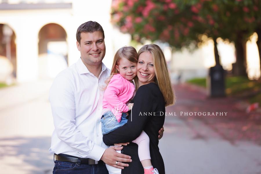 babybauch_familienshooting_familienbilder_babyauchfotos_muenchen_anne_deml_fotostudio_babyfotograf_bayern_kathrin_4