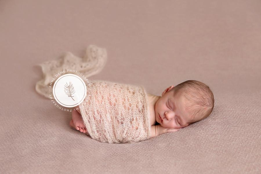 babyfotograf_augsburg_anne_deml_neugeborenenbilder_fotostudio_muenchen_victoria_4