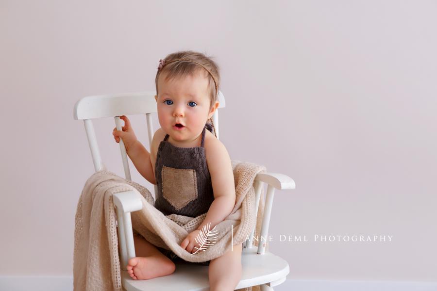 babyfotos_mama_baby_natuerliche_babybilder_babyshooting_anne_deml_fotografie_babyfotograf_muenchen_baby_emily_7