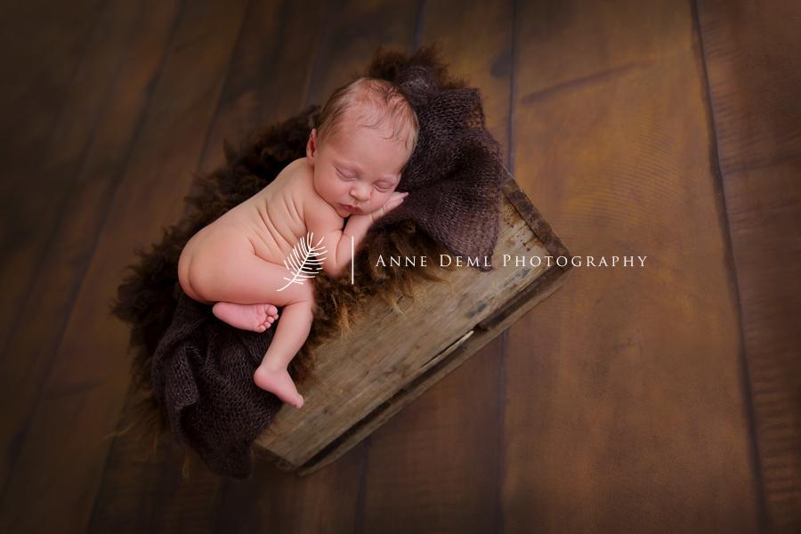 babyfotografin_anne_deml_augsburg_babystudio_muenchen_geburt_neugeborenenfotos_freising_professionelles_babyshooting_karl_05